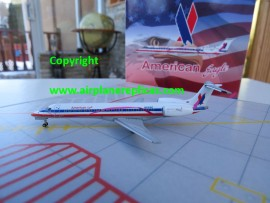 American Eagle Embraer ERJ-145 Pink Ribbon livery