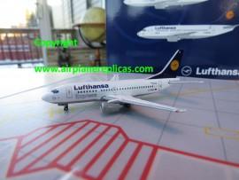 Lufthansa Express B 737-500