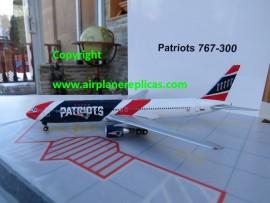 New Eagland Patriots B 767-300
