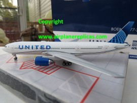 United Airlines B 777-200ER new livery